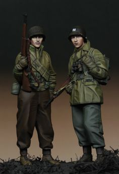 Two WWII US Infantry toy soldiers (1/35, Alpine Miniatures).