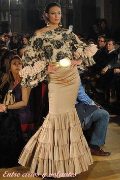 JLu Zambonino 2013 15 Dresses, Fashion Dresses, Evening Dresses, Flamenco Costume, Flamenco Dresses, Vip Dress, Mexican Costume, Spanish Dress, Spanish Fashion