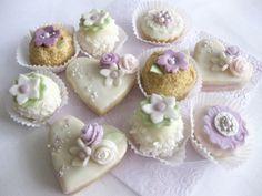 svatební cukroví - fialový mix