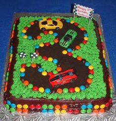 gâteau anniversaire garçon circuit voitures