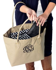 We are loving these Monogram Purses here at Southern Swerve! These colors are SO perfect for the fall and the chic, yet simple look is fabulous!