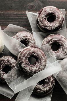 glazed chocOlate cake doughnuts Just Desserts, Delicious Desserts, Dessert Recipes, Yummy Food, Cake Recipes, Tasty, Donut Recipes, Baking Recipes, Cupcakes