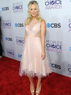 People's Choice Awards 2013 Red Carpet Arrivals: Kaley Cuoco