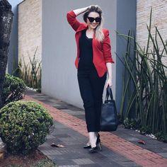 Tudo preto e um dos meus blazers favoritos hoje! Calça Asos, blazer Artsy Brasil, scarpin Luiza Barcelos e bolsa FAD #ootd #fashion
