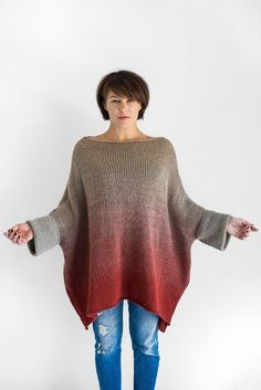 Oversized knit long ombre sweater with short sleeves Hand Knitting, Knitting Patterns, Knitting Sweaters, Long Sweaters, Sweaters For Women, Ombre Sweater, Knitted Blankets, Crochet Clothes, Pulls