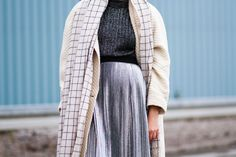 Danish blogger Marie Jensen from Nemesis, Babe blog styling silver roll neck second hand sweater, silver holographic skirt by Monki, grid scarf by Monki, white second hand wool coat, Monki silver socks, pointy Sarenza shoes and orange MAC Cosmetics lipstick in October for a neautral fall - winter look.  www.nemesisbabe.dk