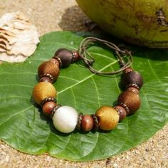 Endah Fresh Brown - ručne vyrobený náhrdelník   Jawa Jewellery Beaded Bracelets, Jewellery, Fresh, Brown, Instagram, Fashion, Moda, Jewels, Fashion Styles