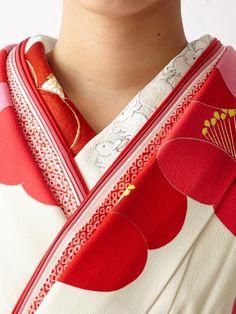 振袖「しんしん雪うさぎ」 商品画像 Geisha, Japanese Trends, Japanese Design, Yukata Kimono, Kimono Dress, Japanese Fabric, Japanese Kimono, Japanese Costume, Costumes Japan