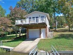 Lake front cottage for sale. 268 Shoreline Dr