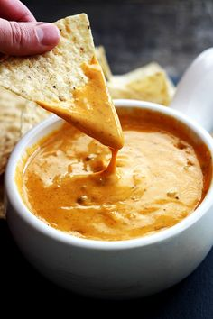 Chili's Queso (Slow Cooker Version) Creme De La Crumb is part of pizza - Copycat Chili's Queso that tastes so much like the original everyone will think you bought it at the restaurant! Just 5 minute prep and made in the crockpot! Dip Recipes, Mexican Food Recipes, Appetizer Recipes, Cheese Recipes, Shot Recipes, Party Recipes, Ethnic Recipes, Slow Cooker Recipes, Crockpot Recipes