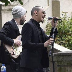 #linkinpark #chesterbennington At Chris Cornell's funeral, Chester Bennington sings HALLELUJAH. https://m.facebook.com/story.php?story_fbid=10155283152823267&id=96571653266