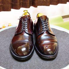 Alden 昨日の靴と週明け予定の靴。 #alden #cordovan #shoes #mensshoes #shoecare #オールデン #コードバン #紳士靴 #革靴 #靴磨き #シューケア Men's Shoes, Shoe Boots, Shoes Sneakers, Dress Shoes, Male Shoes, Footwear Shoes, Shoes Men, Cordovan Shoes, Mens Fashion Shoes