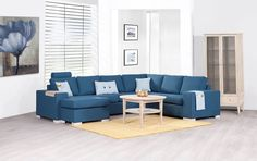 Atlanta finnes i mange forskjellige oppsett og gir muligheter for å finne en sofa til alles behov. Atlanta er prisgunstig, har god kvalitet og en fantastisk sittekomfort. Velg mellom faste standard ryggputer eller kuvertputer. 3 forskjellige armlen, og en mengde forskjellige farger og stoffer. Priser varierer for forskjellige stoffer/skinn.