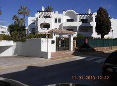 Se alquila o se vende apartamento en calle sabinillas con 2 habitaciones, 2 baños, salón, terraza, cocina, lavadero, plaza de garaje privada, piscina http://www.alquiler.com/anuncios/modelo-talla-plazas-estepona-en-malaga-6859