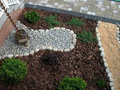 75 Beautiful Rain Garden You Should Have In Your Home Front Yard 390 Japanese Rain Chain, Japanese Water, Layout Design, Zen Design, Yard Design, Modern Design, Rain Barrel, Rainwater Harvesting, Dry Creek