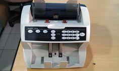 Jenis: Portable Barang New gress Bergaransi Siap COD jakarta Soal kualitas barang kita boleh di bandingkan, silahkan gan dibeli mesin hitung uang nya utk kebutuhan perbankan maupun lainnya.  SPESIFIKASI: Dimensi 275 (W) x 235 (H) x 230 (D) mm Berat 6.0 Kg Ukuran catatan dihitung 50 x 85 mm - 110 x 185 mm Menghitung kecepatan 1800, 1500, 1000, 500 catatan / menit Pakan sistem Roller sistem gesekan Kapasitas Hopper 300 lembar Kapasitas Stacker 200 lembar LED Menghitung display 4-digit (besar)…