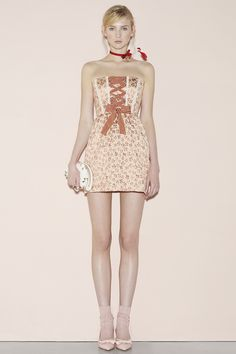 Red Valentino Spring 2016 Ready-to-Wear New York Fashion Show / Printemps 2016  #mode #fashion