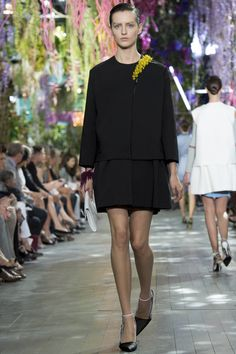 DEFILES READY-TO-WEAR SPRING/SUMMER 2014 Christian Dior