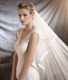 Pronovias > OSIRIS - Wedding dress in guipure and Chantilly