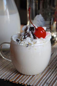 Whipped Vanilla White Hot Chocolate | 22 Hot Chocolates You Must Make This Winter