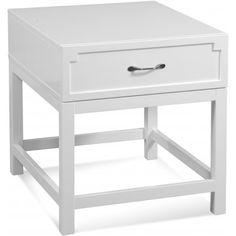 Очаровательный приставной столик в белой глянцевой отделке. Столик оснащен небольшим выдвижным ящиком.             Метки: Журнальный стол.              Материал: Дерево.              Бренд: Bassett Mirror.              Стили: Скандинавский и минимализм.              Цвета: Белый.