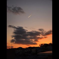 今日も穏やかに過ごせました  #夕焼けLOVE  #オカン二階  #飛行機雲 #ccdays#nikontop_#ig_japan #icu_japan#s_shot #picture_to_keep#lovers_nippon #ptk_japan#ig_today#japanfocus #ig_wildplace#bestjapanpics #東京カメラ部#IGersJP#deece_spot  #japan_daytime_view #bestshotz_asia  #ptk_sky #bestjapanpics  大阪府 吹田市 オカン二階  by noripino