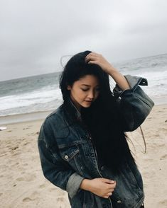 : ps that water is ridiculously cold someone please tell me where there is a beach warm water 24 139 p / 190 k Lara Jean, Diane Arbus, Five Jeans, Alice Liddell, Poses, Look Cool, Girl Crushes, Pretty People, Cute Couples