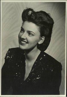 Bea Hair Women 1938 1940's Hairstyles Pinterest