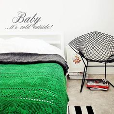 green blanket, Diamond chair by Harry Bertoia Home Design, Interior Design, Interior Ideas, Modern Classic, Mid-century Modern, Vintage Modern, Modern Industrial, Modern Design, Home Bedroom
