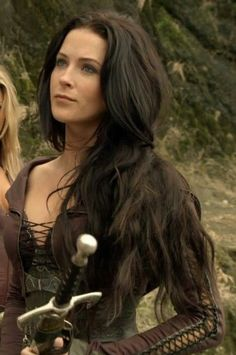 Bridget Regan in Legend of the Seeker Warrior Girl, Fantasy Warrior, Fantasy Women, Fantasy Girl, Fantasy Dress, Cuerpo Sexy, Bridget Regan, Cosplay Girls, Beautiful Actresses