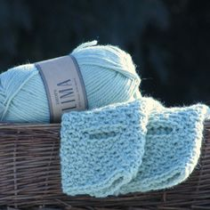 Your place to buy and sell all things handmade Knitted Gloves, Fingerless Gloves, Crochet Arm Warmers, Scarf Hat, Green Wool, Mittens, Crochet Patterns, Arms, Pastel