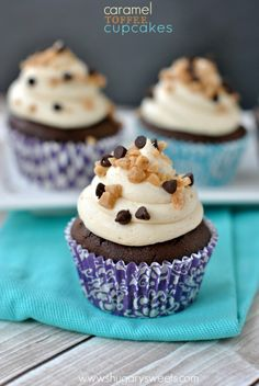 My favorite homemade chocolate cupcake recipe topped with creamy caramel frosting, toffee and chocolate chips!
