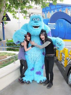 Sammi, Jinxx, and Sully. Yes BVB is so demonic *rolls eyes*