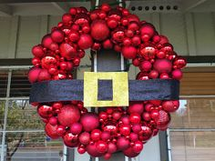 Pin It, Make It: 25 Crafts for Christmas: Day 2 - DIY Santa Ornament Wreath