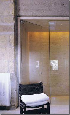 John Saladino bathroom. Simple & understated