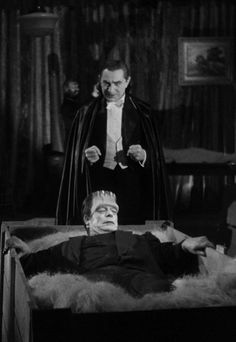 """Dracula and Frankenstein in """"Abbott and Costello Meet Frankenstein"""" Horror Monsters, Scary Monsters, Famous Monsters, Beetlejuice, Scary Movies, Old Movies, Burlesque, Hollywood Monsters, Comedy Duos"""