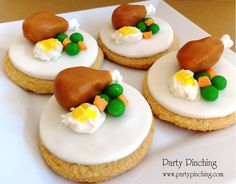 So cute! Thanksgiving Dessert Table - these are adorable! not sure what they used but have an idea. perhaps turkey is carmel with a dem bones candy
