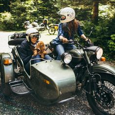 "2,242 Likes, 4 Comments - Ural Motorcycles (@uralmotorcycles) on Instagram: ""Headed out on our 2WD Gear Up, who will you explore with? Photo:@jennylinquist"""