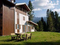Dai un'occhiata a questo fantastico annuncio su Airbnb: Dolomiti, Val di Fiemme, Bellamonte, mansarda - Appartamenti in affitto a Bellamonte
