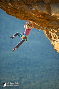 www.boulderingonline.pl Rock climbing and bouldering pictures and news Monique Forestier, T