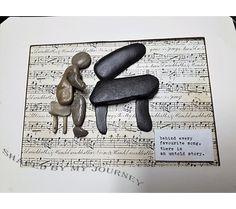 #behindeveryfavoritesongthereisanuntoldstory #pebbleart #uniquegift #originalgift #pianist #firstconcert