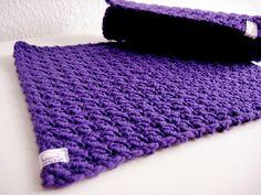 2 Platzsets, gehäkelt, 100% Wolle, Lila von haus of crochet auf DaWanda.com