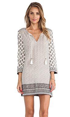 Soft Joie Daria Dress in Antique White & Pebble | REVOLVE