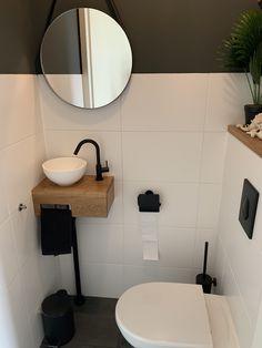 Pool House Bathroom, Oak Bathroom, Bathroom Layout, Small Bathroom Interior, Small Space Bathroom, Bad Inspiration, Bathroom Inspiration, Wc Design, Houston Houses