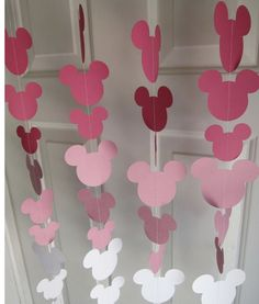 ideas party birthday pink minnie mouse for 2019 Minnie Mouse Rosa, Pink Minnie, Minnie Mouse 1st Birthday, Minnie Mouse Baby Shower, Minnie Mouse Birthday Decorations, Minnie Mouse Cricut Ideas, Minnie Mouse Room Decor, Minnie Mouse Favors, Mickey Baby Showers