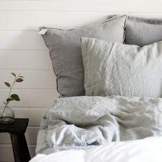 Tell Me More sängkläder i skrynklig linne - sovrumsinredning Nordic Design, Interior Design, Bedroom, Inspiration, Furniture, Google, Home, Nest Design, Biblical Inspiration