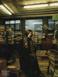 Donna Tartt, author of The Secret History and The Goldfinch. Donna Tartt, Librarian Chic, Writers And Poets, Annie Leibovitz, The Secret History, Book Writer, Goldfinch, New York Street, Vanity Fair