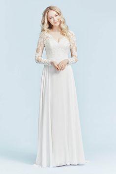 A vintage wedding dress with long sleeves. Very high quality chiffon. Boho Wedding Dress, Wedding Dresses, Bridal Collection, Supermodels, Catwalk, Bridal Gowns, Fashion Show, Chiffon, Victoria