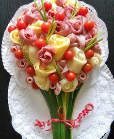 Ideas For Wedding Food Platters Beautiful Meat Platter, Food Platters, Cheese Platters, Meat Trays, Food Displays, Meat And Cheese, Cheese And Cracker Tray, Cheese Art, Cheese Food