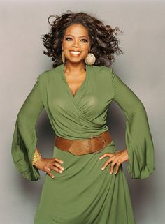 Best Oprah Winfrey Styles Oprah - looking good in her favourite colour Oprah Winfrey Show, Oprah Winfrey Network, Curvy Fashion, Plus Size Fashion, Blush Dresses, Looks Cool, Black Women, Celebrity Style, Just For You